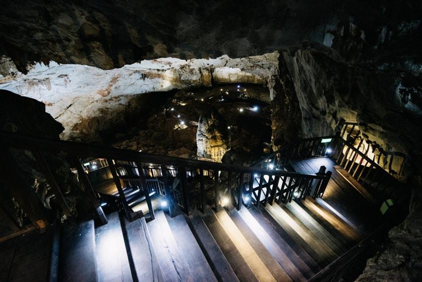 Phong Nha Kẻ Bàng National Park Paradise Cave Tours 1a